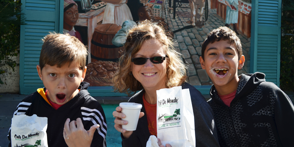 Sharing the euphoria of Cafe' du Monde goodness